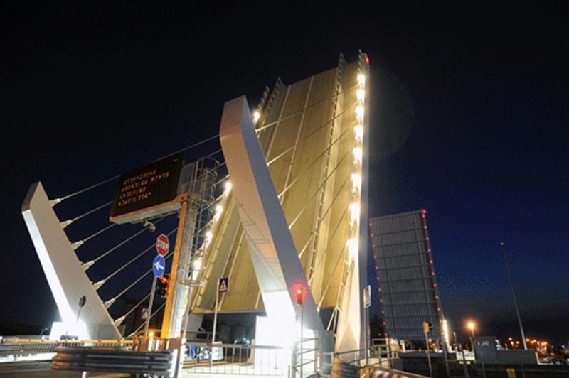 Ponte mobile gallerie immagini home la darsena che for Disegni di ponte a 2 livelli